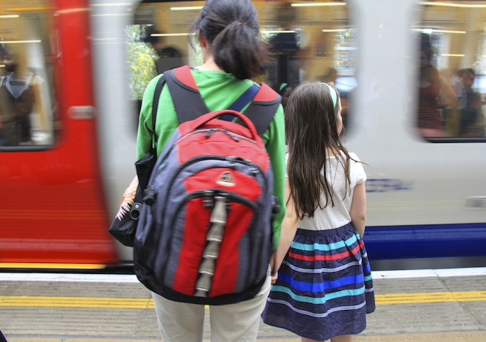 viajar em familia mala