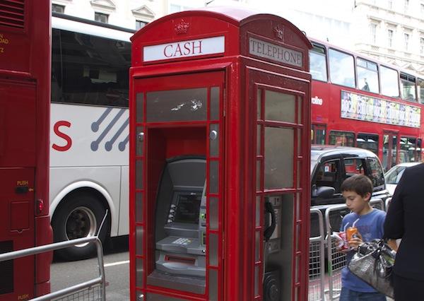 cabine telefonica viajar em familia