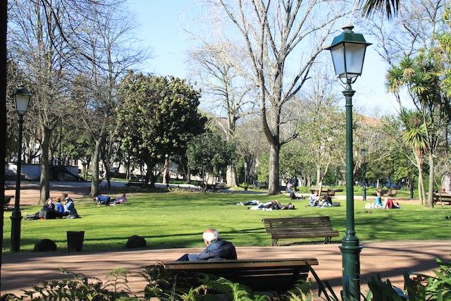 Jardim da Estrela passear e fazer piqueniques no centro de Lisboa